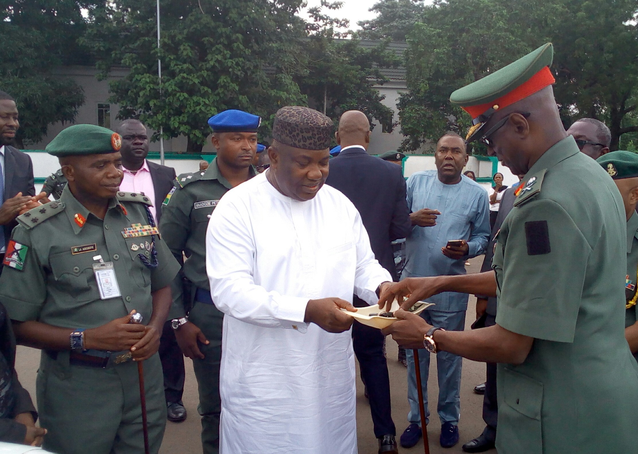 Gov. Ugwuanyi donates security vehicles to Nigerian Army